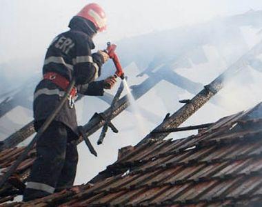 Explozie urmată de incendiu la Iaşi! Un bărbat a reuşit să-şi salveze soacra în ultima...