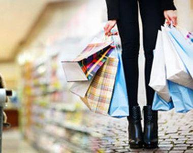 Shoppingul în supermarket, sportul preferat al românilor. Deşi alimentele s-au scumpit,...