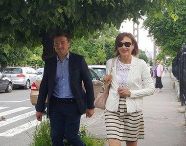Carmen Iohannis a votat singura, la o scoala din Sibiu! A venit insotita doar de SPP-ist
