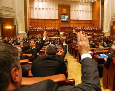 Parlamentarii care si-au angajat rudele in cabinete inainte de 2013 nu vor fi...