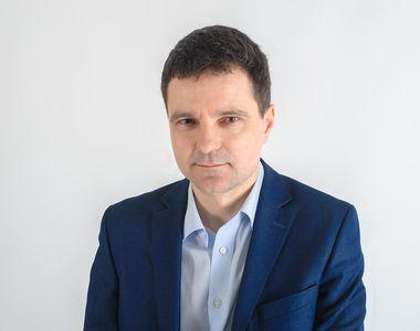 Nicusor Dan critica avalansa de legi toxice adoptate de Parlament
