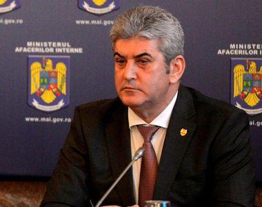 """Gabriel Oprea a ramas fara palate si blocuri! Cum si-a """"albit"""" generalul..."""