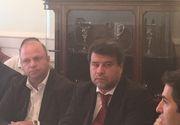 Presedintele Asociatiei Oamenilor de Afaceri Turci din Romania, dl. Nazmi Dugan (centru) si ambasadorul Turciei in Romania, dl. Osman Koray Ertas (dreapta)