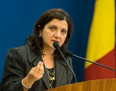 """Ministrul Justitiei, Raluca Pruna: """"Altii fac autostrazi prin munte in trei ani,..."""
