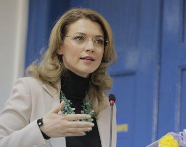 """Raspunsul Alinei Gorghiu la oferta lui Dacian Ciolos: """"Eu cred in axa reformatoare..."""