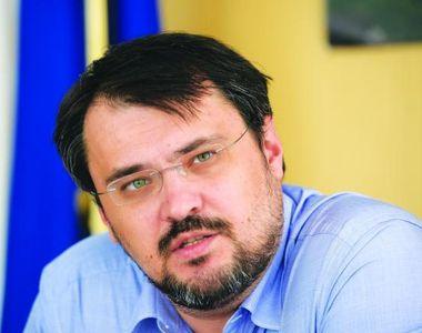 Klaus Iohannis a semnat decretul de numire al lui Dragos Cristian Dinu in functia de...