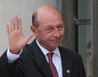 """Traian Basescu a votat la Ambasada Moldovei: """"Orice om care gandeste la binele..."""
