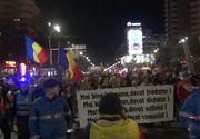 """Mars de sustine a DNA in Capitala. Mii de oameni au scandat""""Demisia"""", """"Justitie, nu coruptie""""."""