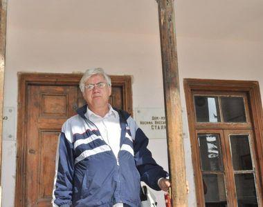 Un cunoscut scriitor roman a ajuns in Georgia si a vizitat casa natala a unui fost mare...