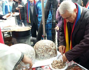 Daea a mancat virsli si mici la Alba Iulia, la un eveniment organizat in cadrul...