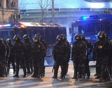 Klaus Iohannis, pe un val de popularitate dupa ce a condamnat actiunile jandarmilor....