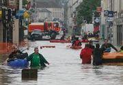 Ploile au pus stapanire pe Europa. Cel putin 12 persoane au murit din cauza inundatiilor, in timp ce alte mii au fost evacuate din casele lor