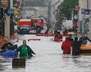 Ploile au pus stapanire pe Europa. Cel putin 12 persoane au murit din cauza...
