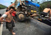 Carnagiu in China. Cel putin 30 de oameni au murit intr-un accident de autobuz