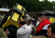Momente de groaza intr-un parc de distractii din Scotia. Un montagne russe a deraiat, iar copiii au zburat de la 11 metri. Zece persoane au fost ranite. Imagini dramatice