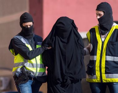 Emiratele Arabe Unite le recomanda cetatenilor sa evite purtarea hainelor traditionale...