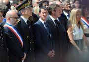 """Prim-ministrul Frantei, Manuel Valls, huiduit de mii de oameni la evenimentele de comemorare a victimelor atentatului de la Nisa: """"Ucigasule, da-ti demisia"""""""