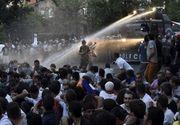 Zeci de persoane au fost rănite în urma unor ciocniri violente între protestatari şi poliţişti in Armenia