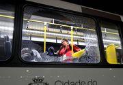 Rio 2016: Autobuzul in care se aflau jurnalistii straini a fost atacat. Trei dintre acestia au fost raniti