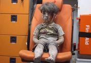 El este Omran si are 5 ani. Imaginea lui ilustreaza o parte din ororile la care sirienii sunt supusi de ani de zile