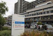 Prezentatorul TV Paul Gage a murit intr-un spital din nordul Londrei dupa ce a asteptat mai bine de 4 ore sa fie preluat de medici. Jurnalistul a murit chiar cand era consultat