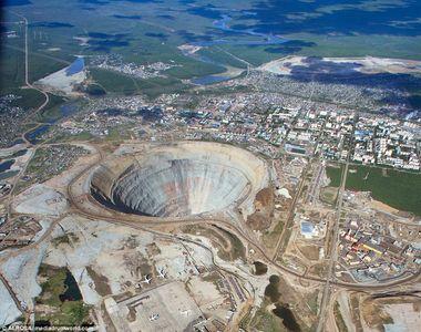 Asta este cea mai valoroasa gaura din lume. Mina de diamante din Rusia este evaluata la...