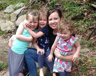 A refuzat sa isi vaccineze fiicele, iar micutele au contactat un virus mortal. Drama...