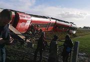 Raniti in Olanda. Un tren a intrat din plin intr-un camion, ramas blocat pe sine