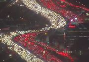 Imagini incredibile! Americanii pleaca cu miile din orasele mari pentru Ziua Recunostintei. Cozi uriase pe autostrazi | VIDEO