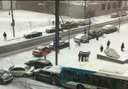 """""""Balet"""" pe gheata cu sute de masini, intr-un oras din Canada! Imagini surprinzatoare"""