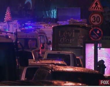 Atac armat intr-un club celebru din Istanbul. Teroristul era imbracat in Mos Craciun....