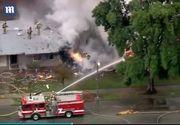 Cel putin patru persoane au murit, dupa ce un avion s-a prabusit peste doua case din California