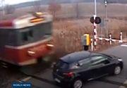 Accident cumplit. Un tren a intrat din plin intr-o masina, la trecerea cu calea ferata