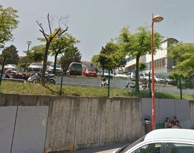 Atac armat la un liceu din Franta. Opt persoane au fost ranite.Trupele speciale au...