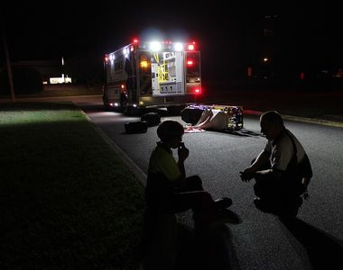 13 persoane si-au pierdut viata, dupa ce un microbuz al unei biserici locale s-a izbit...