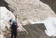 Avalansa din munti surprinsa pe camerele video! Imagini dramatice cu copiii care fug din calea mortii