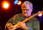 Muzicianul rock Bruce Hampton a murit pe scena, in timpul unui concert