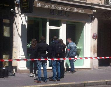 Jaf armat de cateva sute de mii de euro la o ceasornicarie de lux la Paris in apropiere...