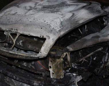 Un barbat de 30 de ani din Arges, gasit carbonizat intr-o masina. Si-a explicat gestul...