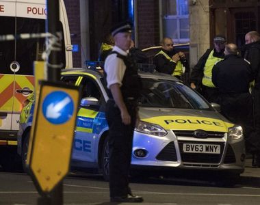 Doi romani care ar putea avea legatura cu atentatul din Londra, arestati in urma unor...