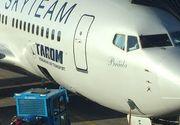 Incident pe aeroportul din Amsterdam. Fuselajul unei aeronave TAROM, gaurit dupa ce a fost lovit de un utilaj