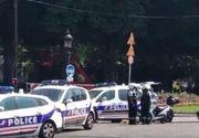 """Atentat esuat in centrul Parisului. Un """"extremist"""" a intrat cu o masina cu explozibil in duba politiei. Ce au descoperit politistii in apartamentul atacatorului"""