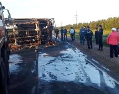 Carnagiu pe o sosea din Rusia. 13 oameni au murit, dupa ce un autobuz cu pasageri s-a...