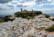 Orasul spaniol unde nu exista politie si toata lumea e angajata! Fiecare salariat primeste 1.200 de euro pe luna si casa gratis