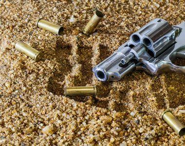 Trei persoane si-au pierdut viata, dupa ce mai multi atacatori inarmati au luat cu...