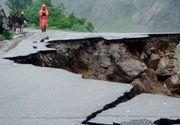 Peste 30 de persoane si-au pierdut viata in urma inundatiilor si alunecarilor de teren din Nepal