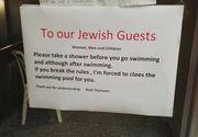 Mesajul unui hotel din Elvetia a starnit furie: Dragi evrei, faceti dus!