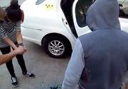 Ce le-a obligat un taximetrist sa faca pe doua cliente care nu au avut bani sa-si achite cursa