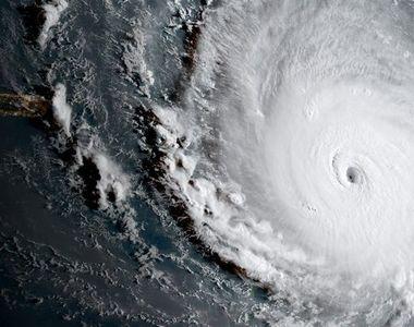 Panica maxima in Florida! Uraganul IRMA se pregateste sa mature totul in cale. Oamenii...