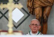 Imagini socante cu Papa Francisc. Suveranul pontif a aparut cu obrazul vanat si taiat la ochi